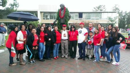 Students in front of Ceaser Chaves Statue